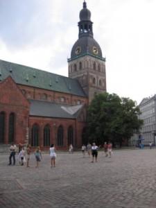 Riga Kirchturm hoch